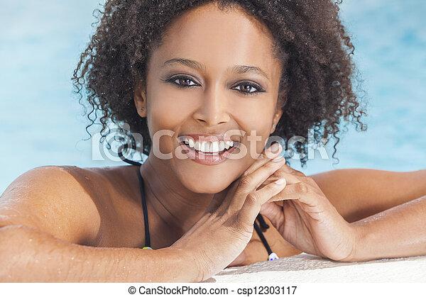 女, アメリカ人, アフリカ, セクシー, 女の子, プール, 水泳 - csp12303117