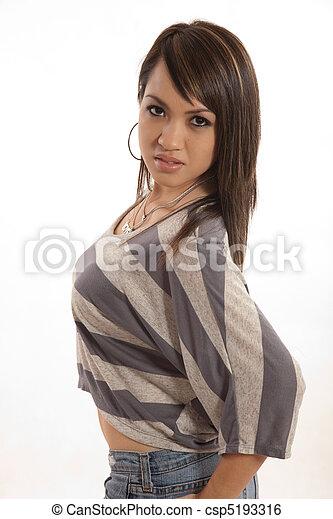 女, フィリピン人, 20代, かなり, 服装, ファッション - csp5193316