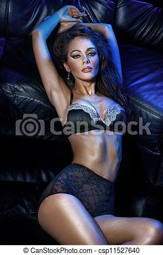 女, ブルネット, sensual - csp11527640