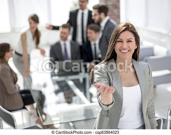 女, 彼女, オフィス, 勧誘, ビジネス, 微笑, あなた - csp63864023
