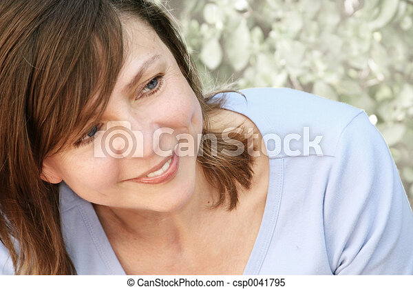 女, 成長した, 幸せ - csp0041795