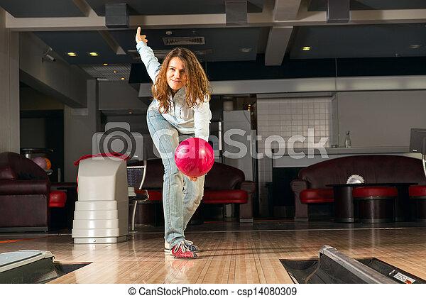 女, 若い, 気持が良い, ボール, ボウリング, 投球 - csp14080309