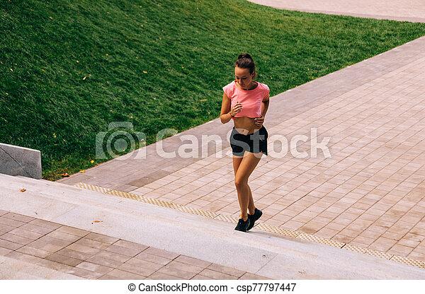 女, 訓練, 通り - csp77797447