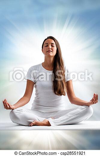 女, meditating. - csp28551921