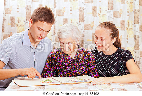 女, smileing, 2, 年配, 若い, 孫 - csp14165192