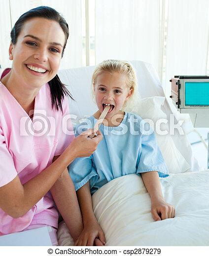 她, 醫生, 檢查, patient\'s, 女性, 咽喉 - csp2879279