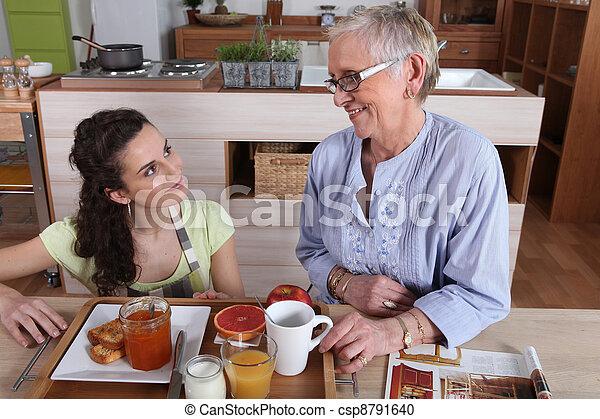 妈妈, 女儿, 厨房 - csp8791640