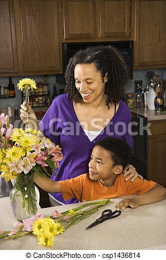 妊娠した, son., 母 - csp1436814