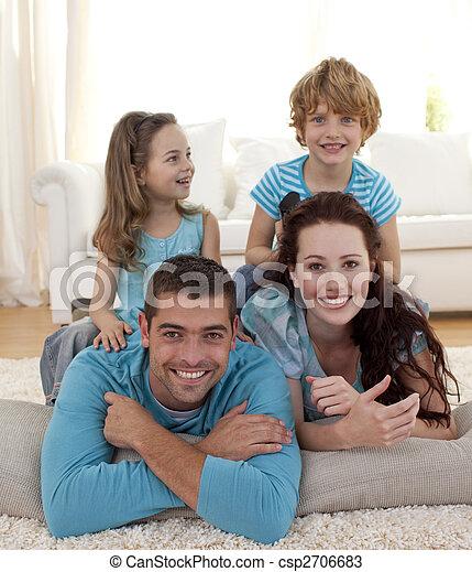 娘, 床, リビングルーム, 親, 息子 - csp2706683