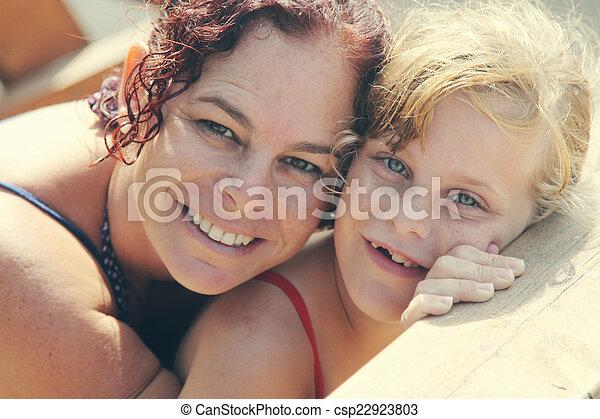娘, 母 - csp22923803