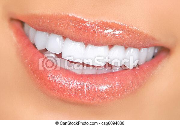 婦女, 牙齒 - csp6094030