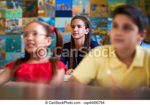 学校, 痛みなさい, 女の子, 聞くこと, 教師 - csp44490764