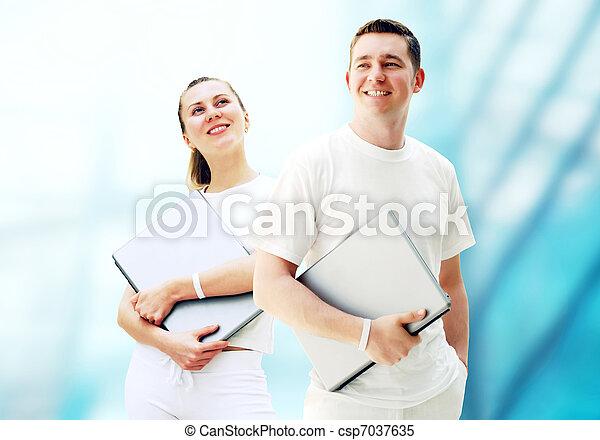 學生, 商業界人士, 年輕, 二, 筆記本電腦, 背景, 對, 或者, 愉快 - csp7037635