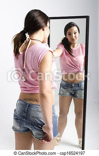 実質, 見る, 女, 若い, 鏡 - csp16524197