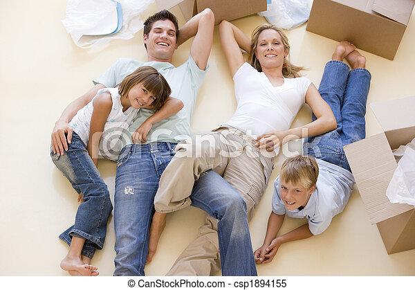 家族, 床, 箱, 新しい 家, 微笑, 開いた, あること - csp1894155