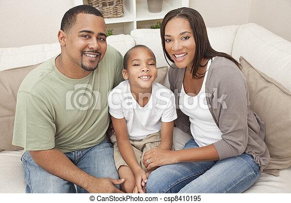 家族, 母, 父, 息子, アメリカ人, アフリカ, 幸せ - csp8410195