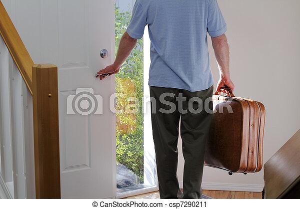 家, 去ること - csp7290211
