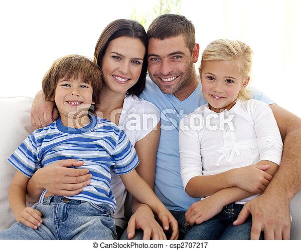 家, 幸せ, ソファー, 家族, モデル - csp2707217