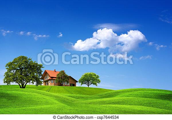 家, 緑の風景 - csp7644534
