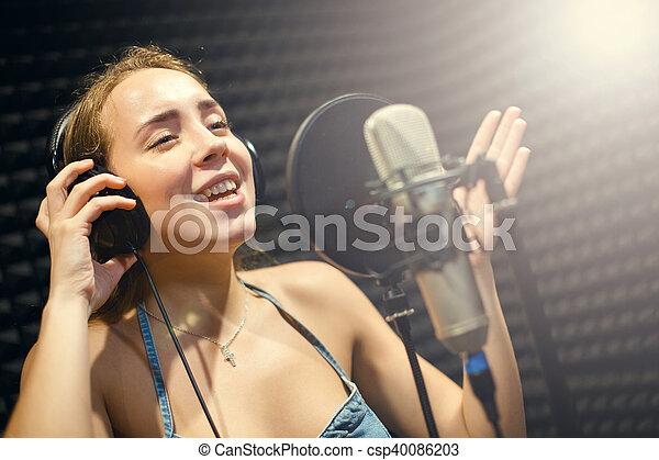 専門家, 歌手, スタジオ, マイクロフォン, 女の子 - csp40086203