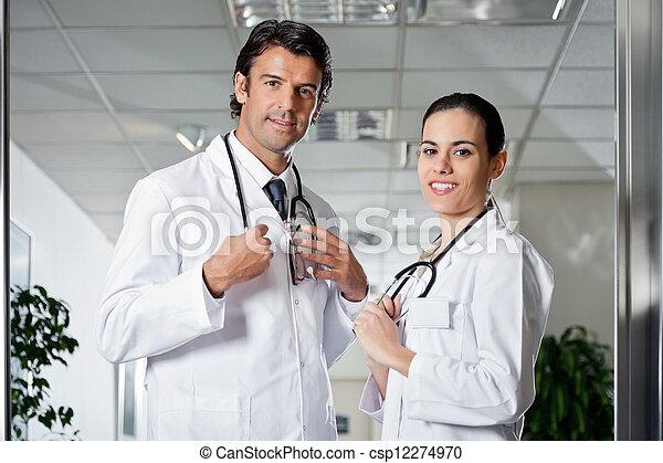 專業人員, 醫學, 微笑 - csp12274970