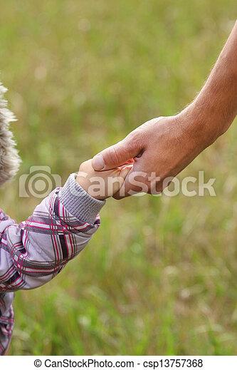小さい子供, 手掛かり, 親, 手 - csp13757368