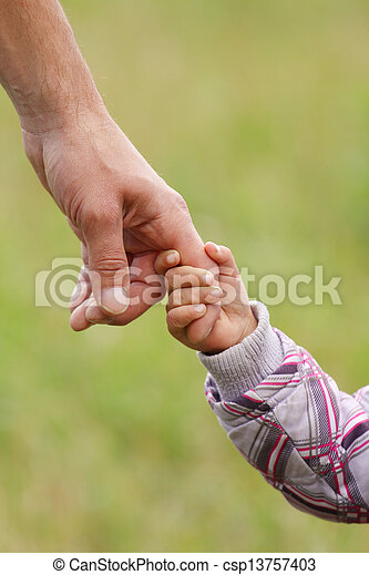小さい子供, 手掛かり, 親, 手 - csp13757403
