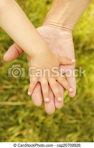 小さい子供, 手掛かり, 親, 手 - csp20709926