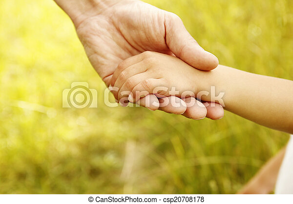 小さい子供, 手掛かり, 親, 手 - csp20708178