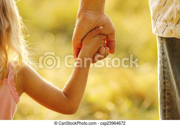 小さい子供, 手掛かり, 親, 手 - csp23964672