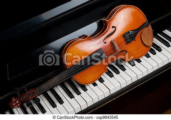 小提琴, 鋼琴 - csp9843545