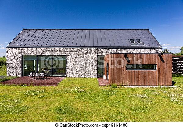 小石, 家, energy-efficient, カバーされた - csp49161486