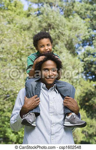 届く, 父, son. - csp1602548