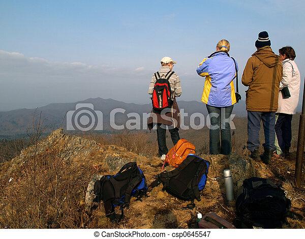山の 上, グループ, ハイキング, 人々 - csp0645547