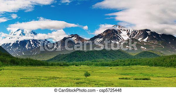 山のpanorama - csp5725448