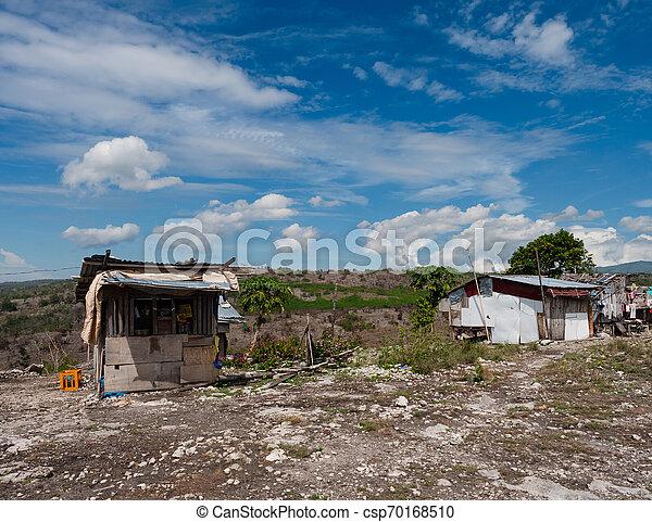 山, フィリピン, バラック - csp70168510