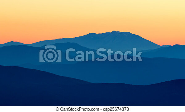 山 - csp25674373