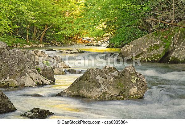 山 小河 - csp0335804