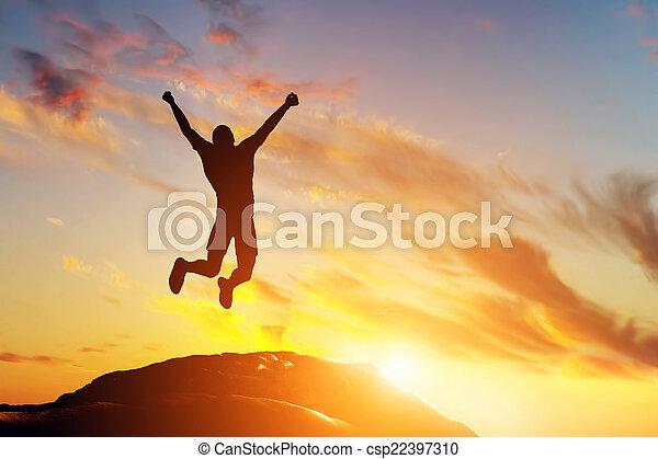 山, 成功, 喜び, 跳躍, ピークに達しなさい, 人, 幸せ, sunset. - csp22397310