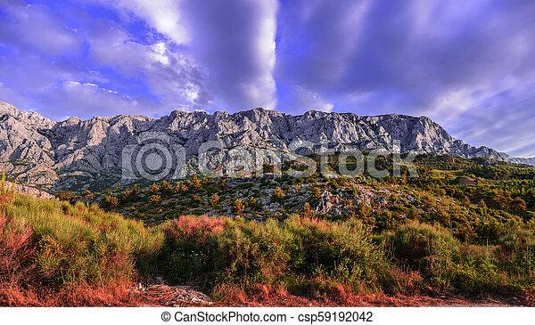 山, 範圍, 天空, 多雲 - csp59192042