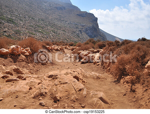 山, island., ほこりまみれである, ギリシャ語, 赤い道 - csp19153225