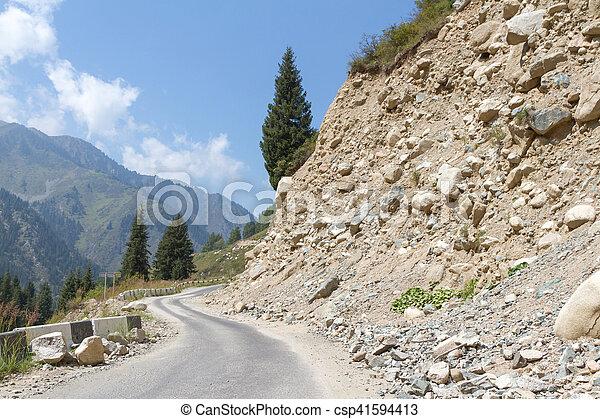 山, rockfall, 道 - csp41594413