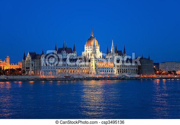 布達佩斯, 議會, 匈牙利人 - csp3495136