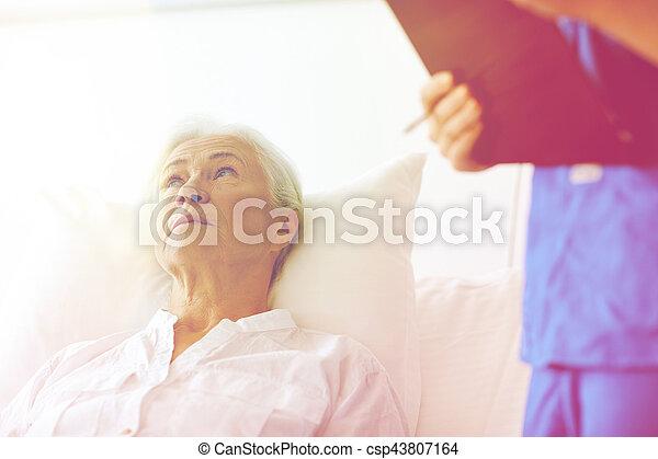 年長者, 醫院, 婦女, 病人, 護士 - csp43807164