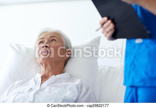 年長者, 醫院, 婦女, 病人, 護士 - csp29822177