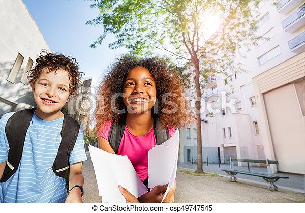 幸せ, 学校の 子供, 2, 微笑 - csp49747545