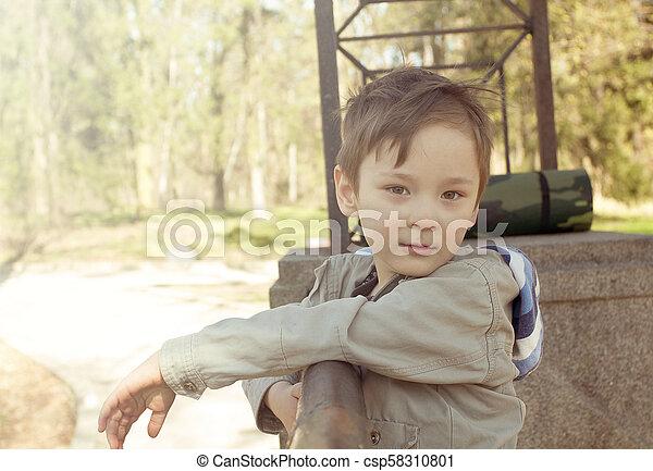 幸せ, 屋外で, 遊び, 子供 - csp58310801