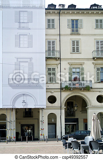 建物の正面, 歴史的, 改修 - csp49392557