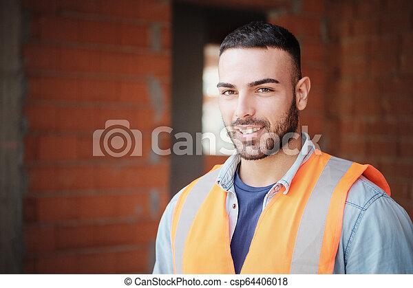 建物の 労働者, 若い, カメラ, 新しい, 建設, 微笑 - csp64406018