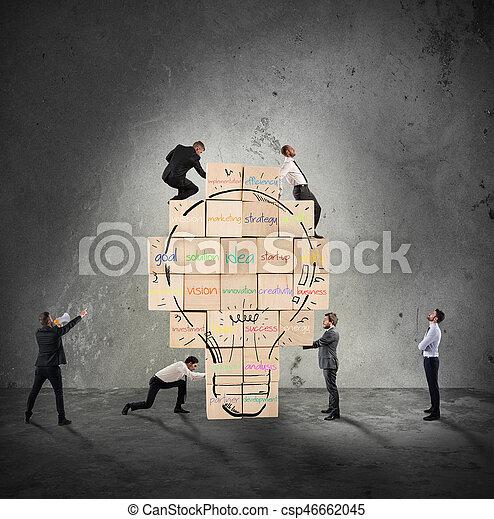 建物, lightbulb, 作られた, ビジネス, 壁, 大きい, 一緒に, 創造的, idea., 人, 新しい, 引かれる, れんが - csp46662045